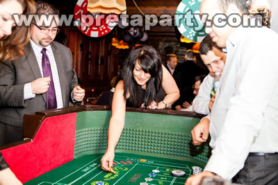 Bring a little bit of New Orleans to your next event, with our elegant and sturdy CRAPS table.