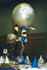An enormous 3 foot paddle balloon towers over the guest tables with this attention grabbing centerpiece. Balloon stem and joints. A real stunner from Montreal's Pret-A-Party